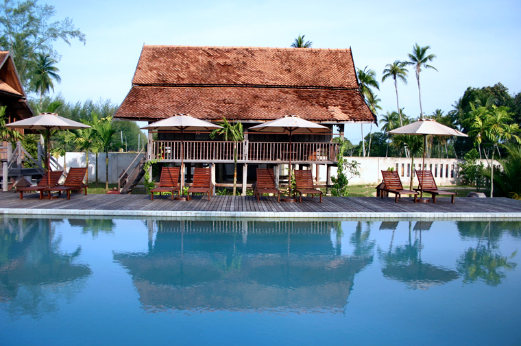 Swimming Pool Travel : Swimming pool terrapuri expertasia travel